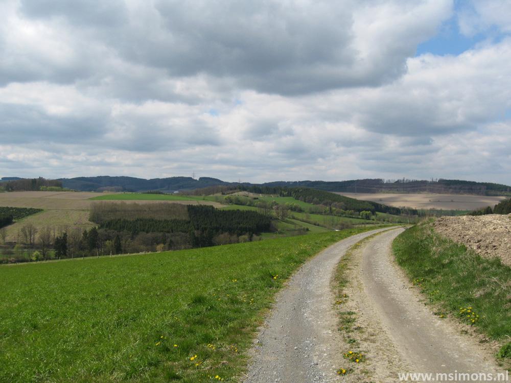 niederberndorf_-_kirchenweg_um_niederberndorf_8898